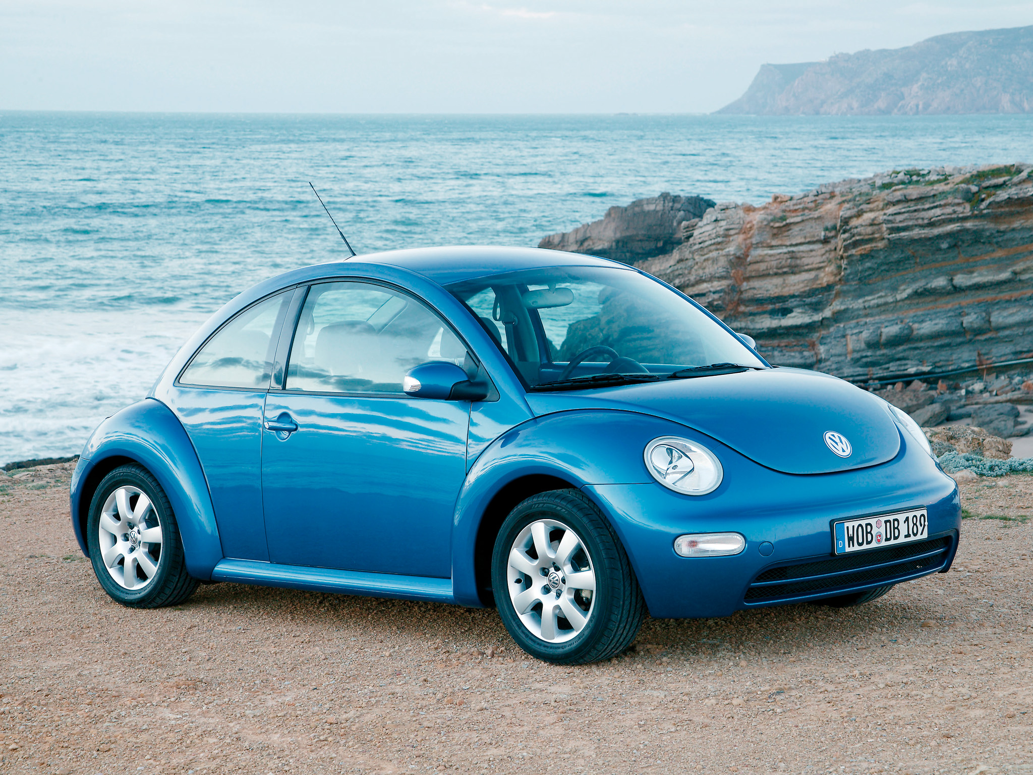 2005 Volkswagen New Beetle photo - 2