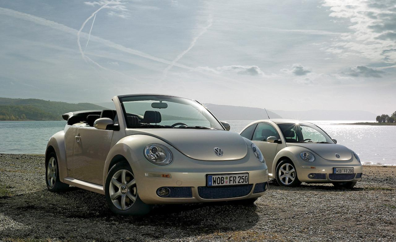2005 Volkswagen New Beetle photo - 3