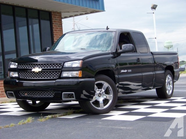 2006 Chevrolet Silverado Intimidator SS photo - 3
