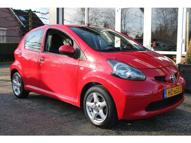 2006 Toyota Aygo for Sport Concept photo - 3