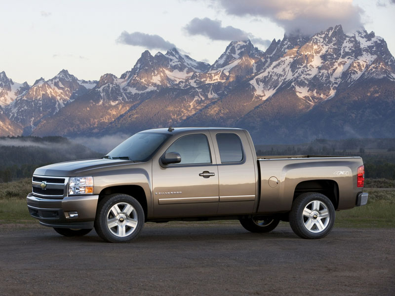 2007 Chevrolet Silverado Extended Cab photo - 3