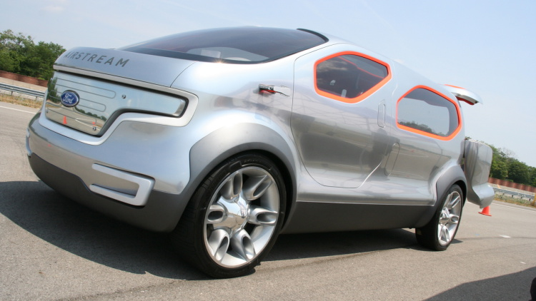 2007 Ford Airstream Concept photo - 1