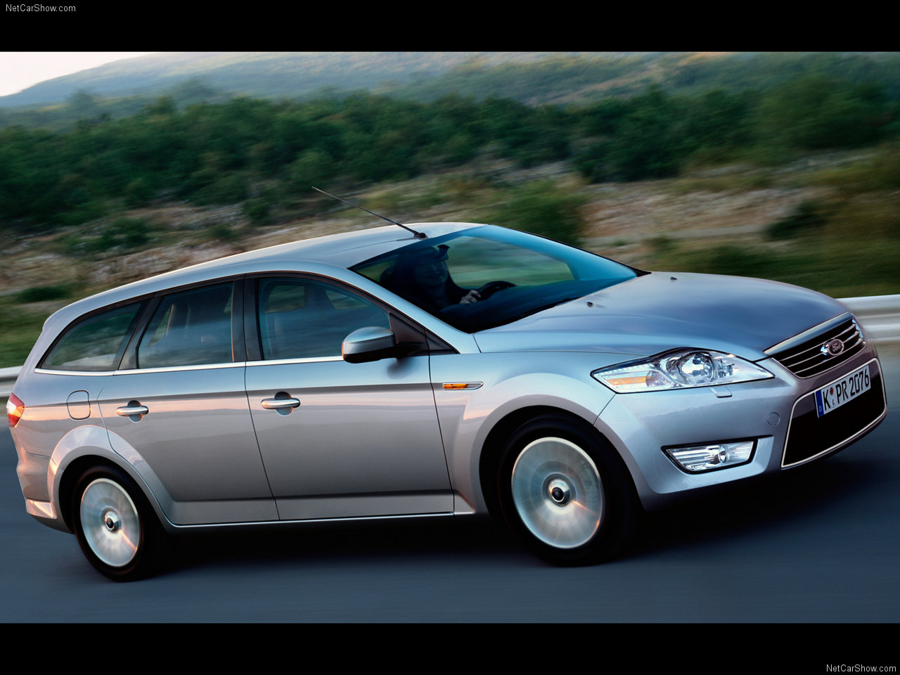 2007 Ford Mondeo Wagon Concept photo - 2