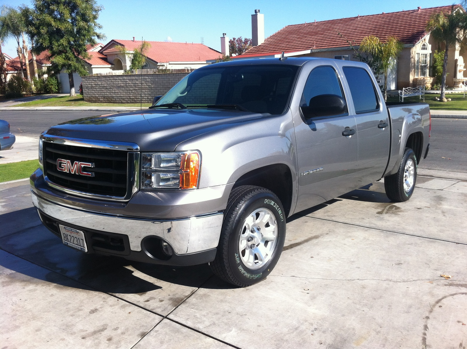 2007 GMC Sierra photo - 1