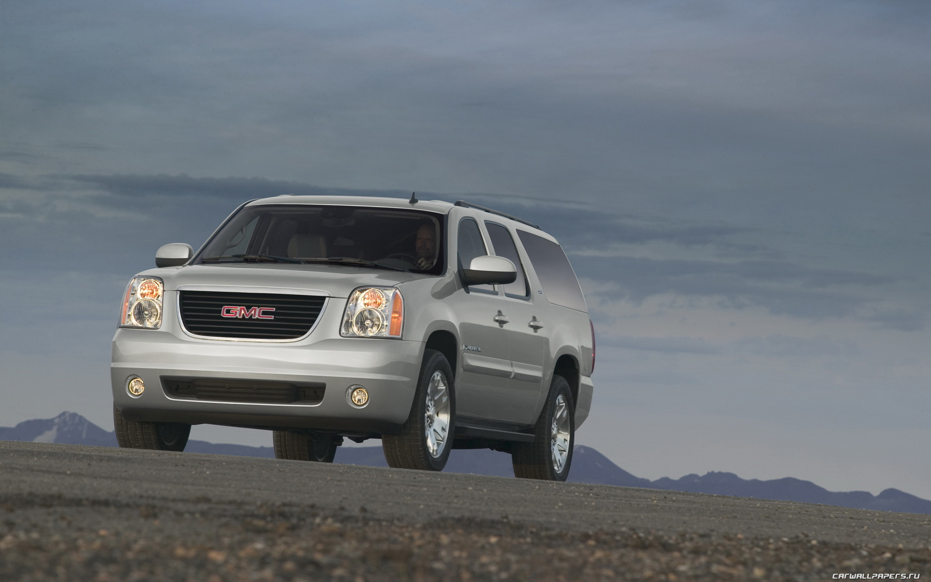 2007 GMC Yukon photo - 1