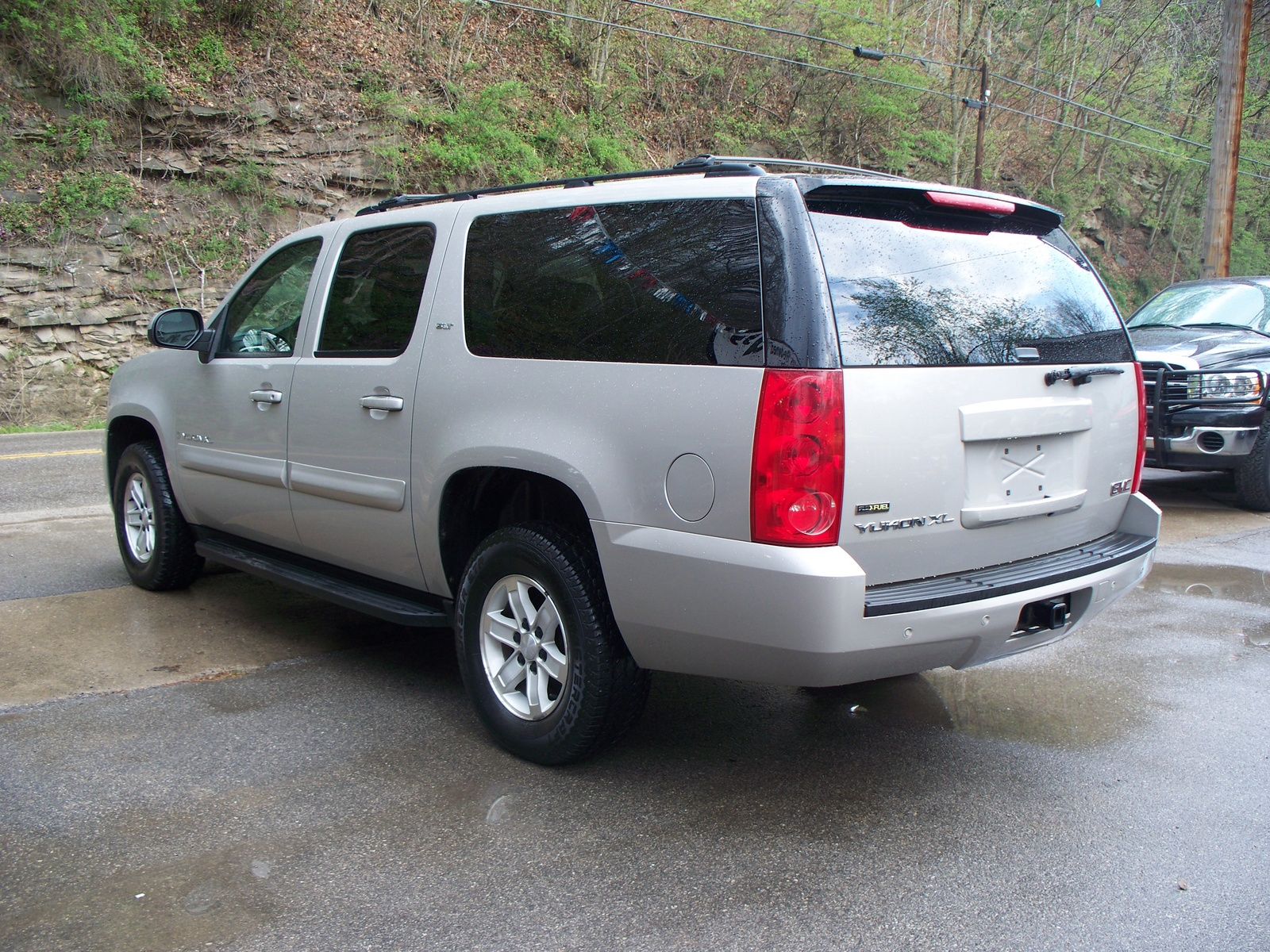 2007 GMC Yukon photo - 2