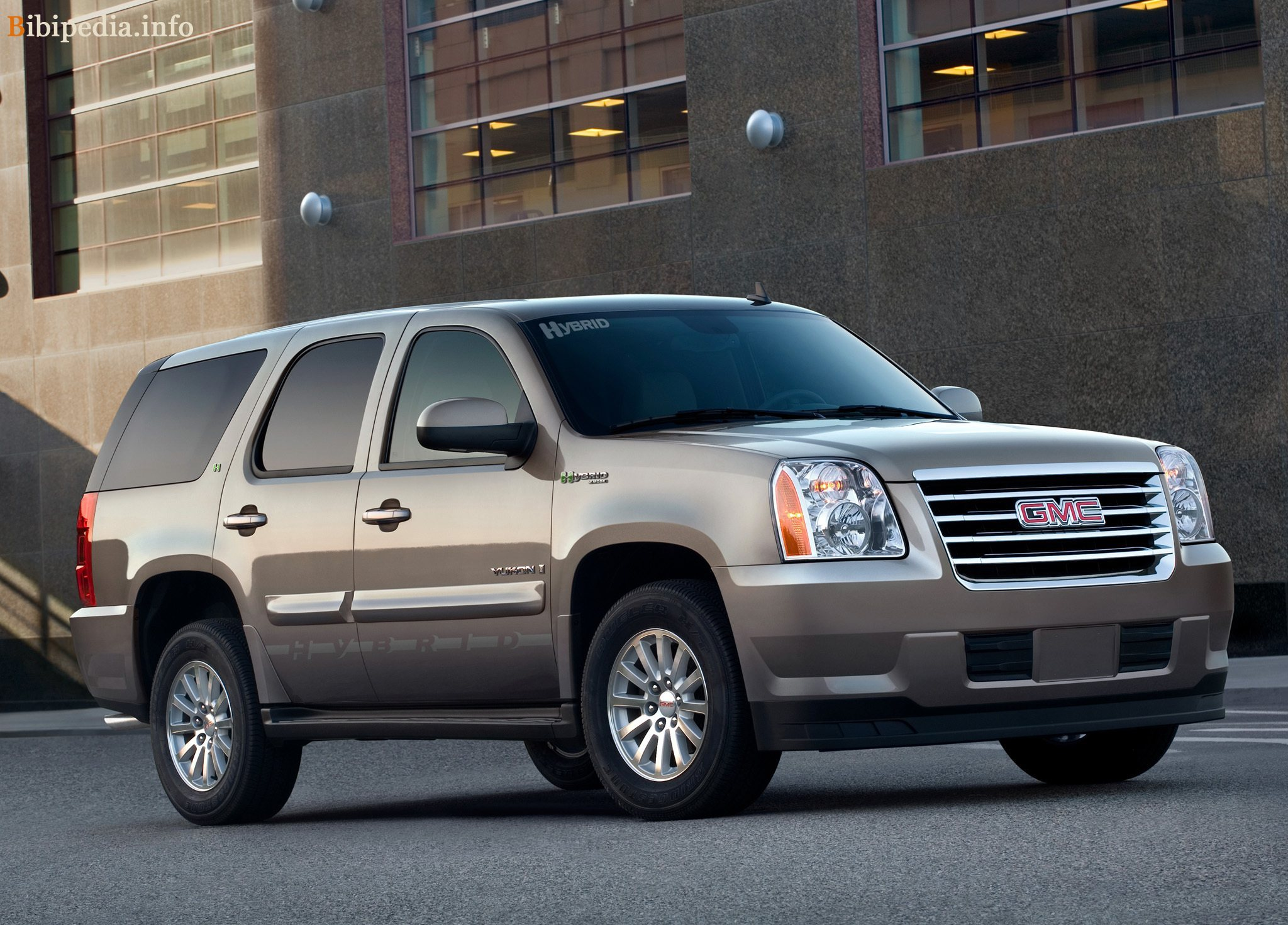 2007 GMC Yukon photo - 3