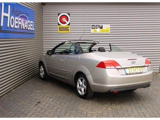 2008 Ford Focus Coupe Cabriolet photo - 2