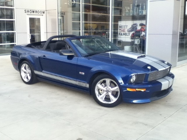 2008 Ford Mustang Shelby GT Convertible photo - 1