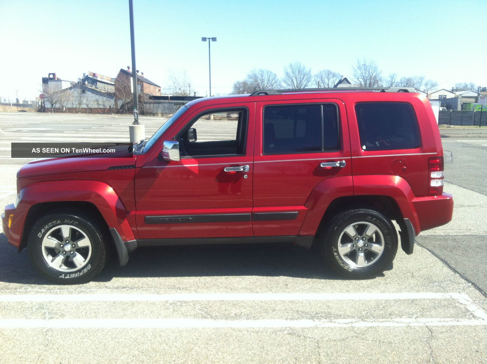 2008 Jeep Liberty photo - 3