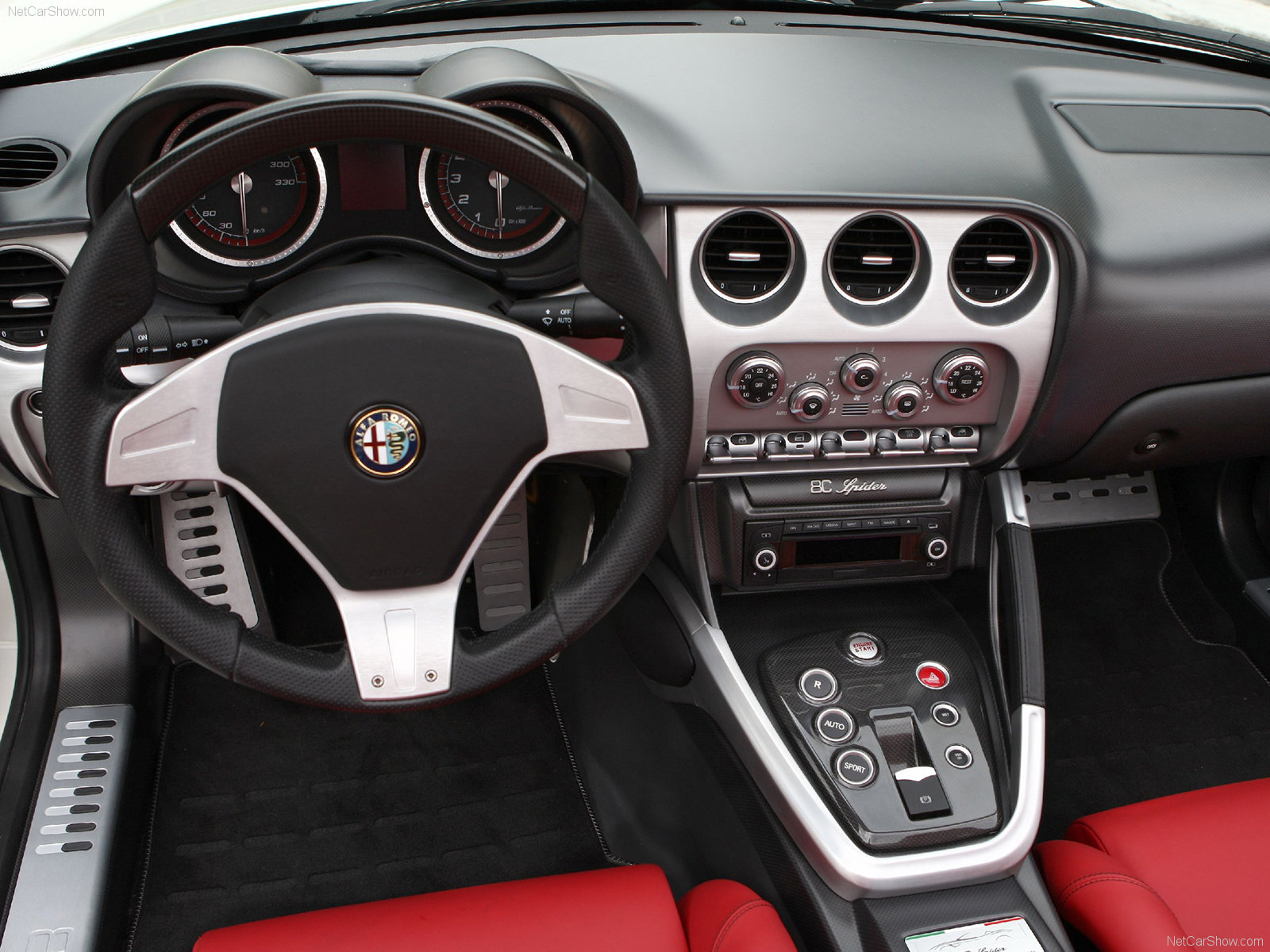 2009 Alfa Romeo 8C Spider photo - 2
