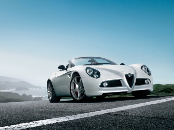 2009 Alfa Romeo 8C Spider photo - 3