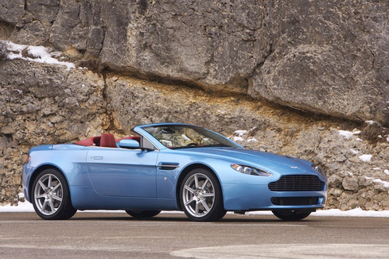 2009 Aston Martin V8 Vantage Roadster photo - 3
