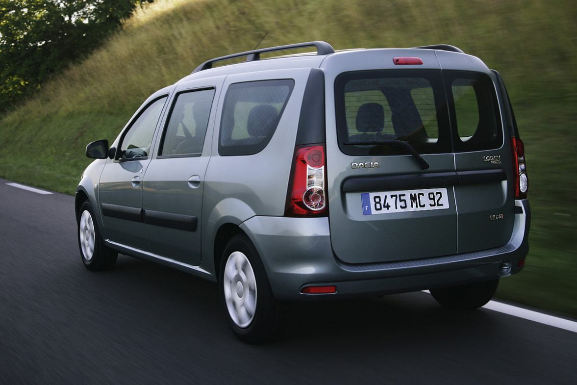 2009 Dacia Logan photo - 3