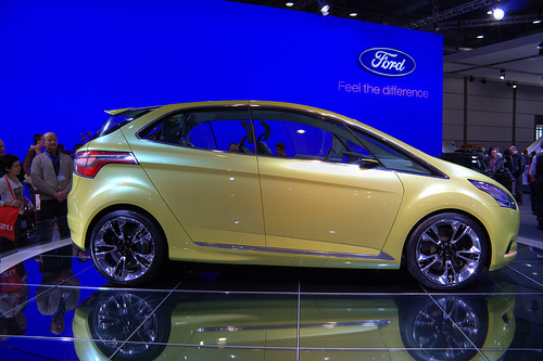 2009 Ford iosis MAX Concept photo - 2