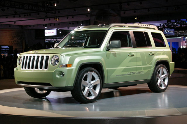 2009 Jeep Patriot EV photo - 3