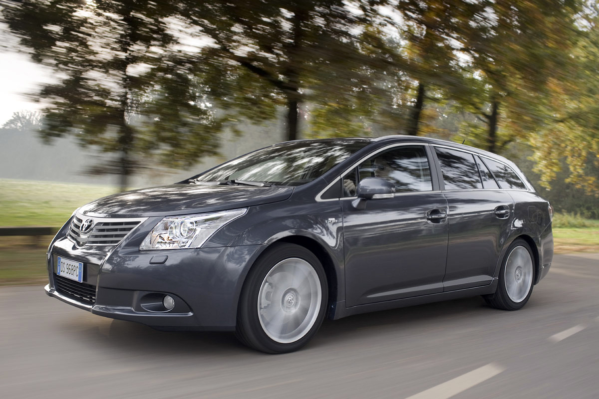 2009 Toyota Avensis photo - 3