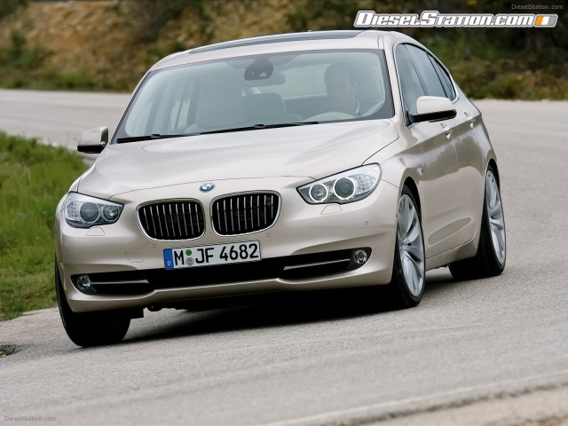 2010 BMW 5 Series Gran Turismo photo - 1