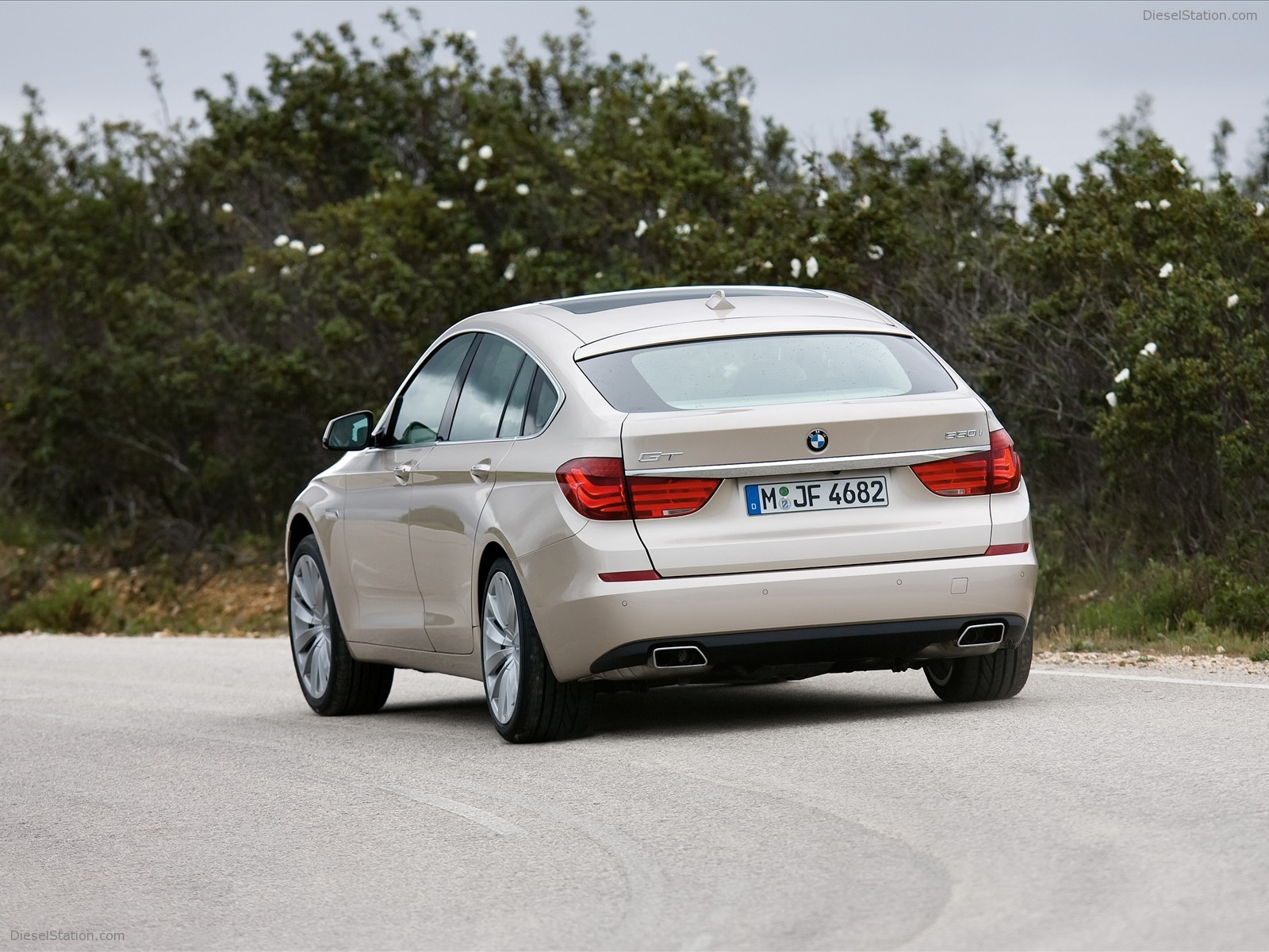 2010 BMW 5 Series Gran Turismo photo - 2