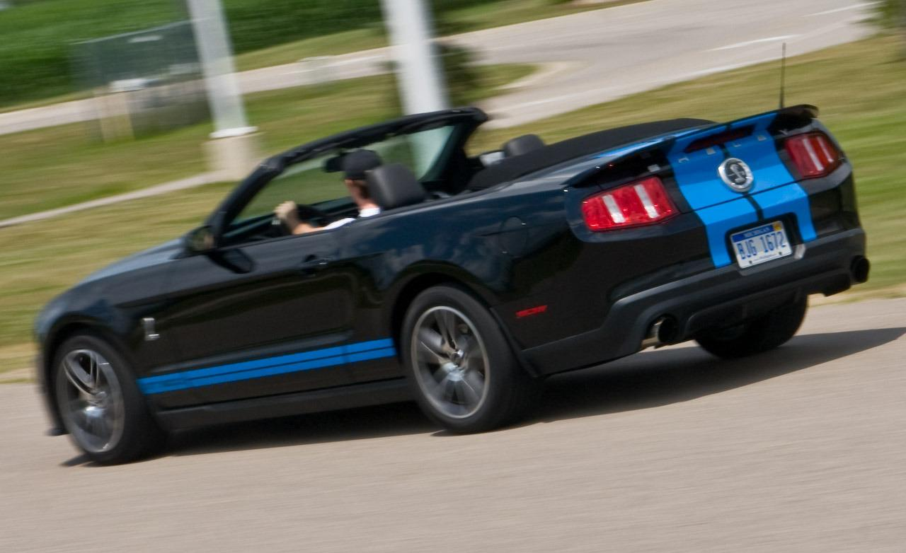 2010 Ford Mustang Shelby GT500 Convertible photo - 3