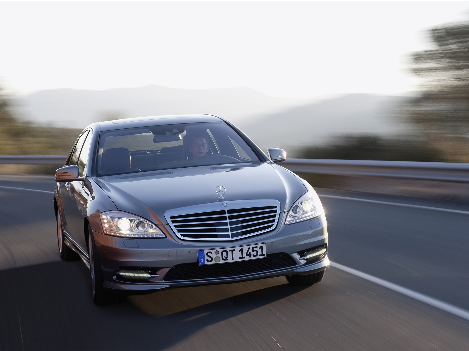 2010 Mercedes Benz S Class AMG Sports Package photo - 3