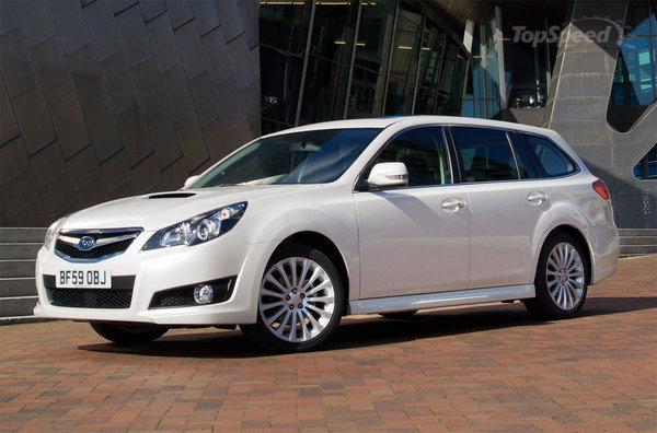 2010 Subaru Legacy Tourer photo - 1
