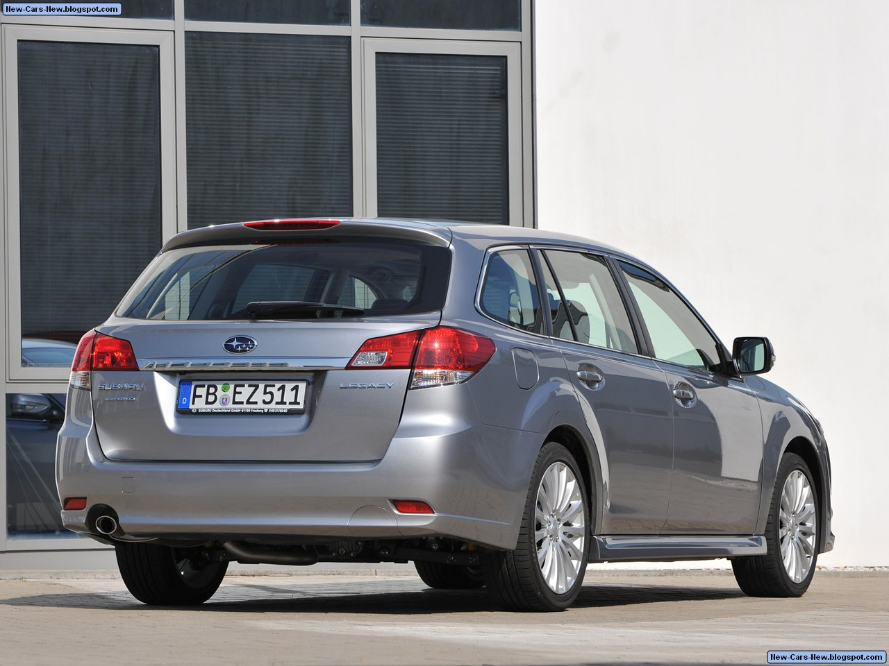 2010 Subaru Legacy Tourer photo - 2