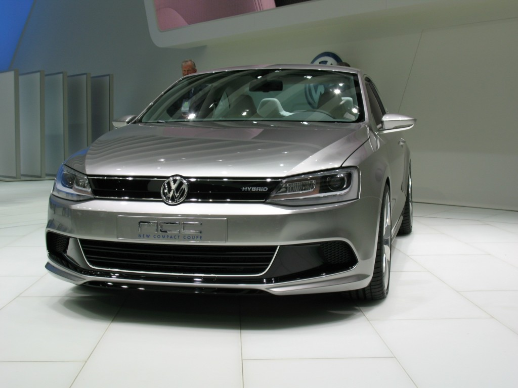 2010 Volkswagen New Compact Coupe Concept photo - 3