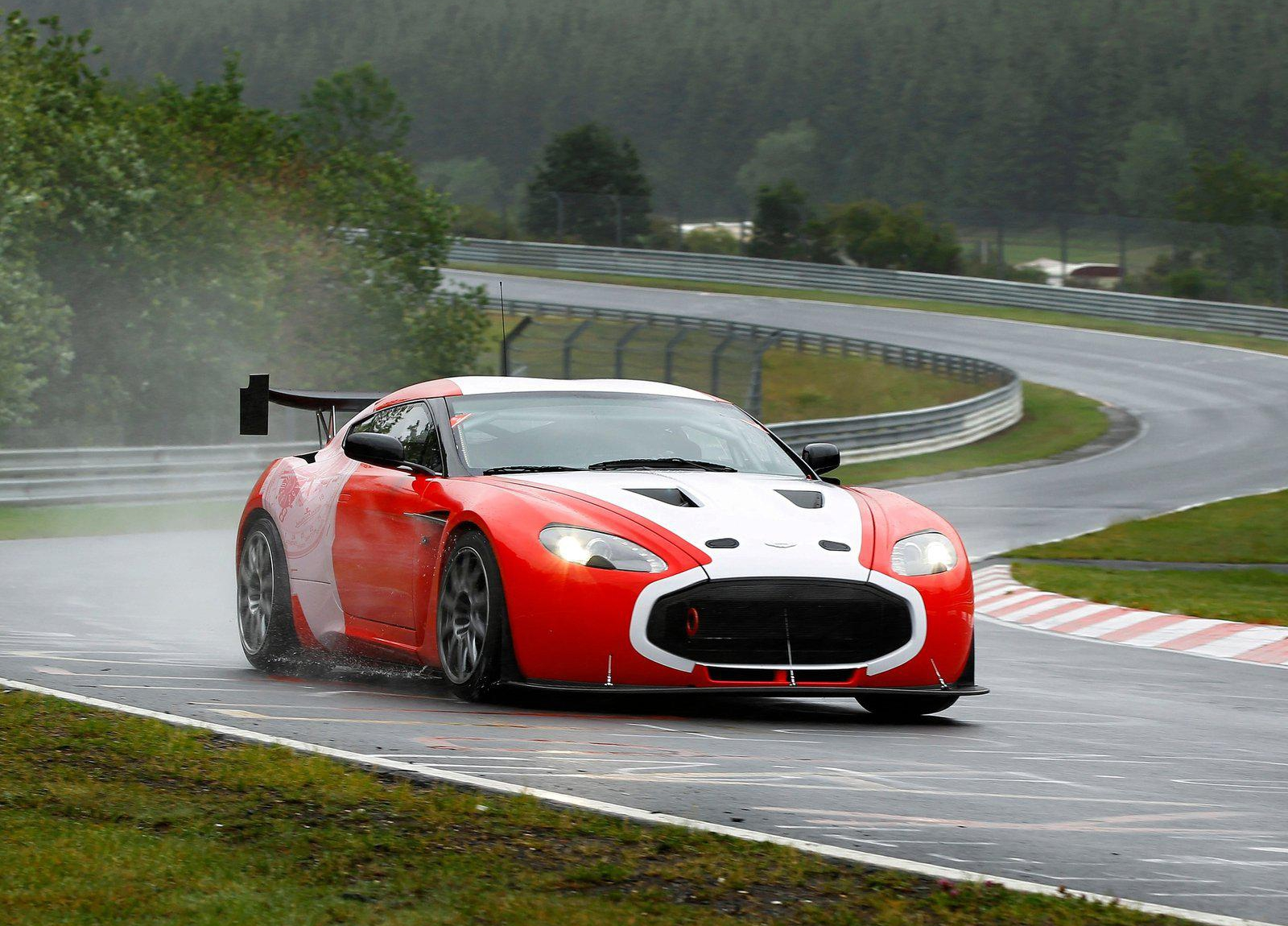 2011 Aston Martin V12 Zagato Racecar photo - 1