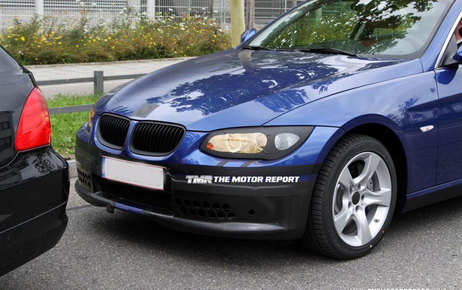 2011 BMW 3 Series Coupe photo - 1