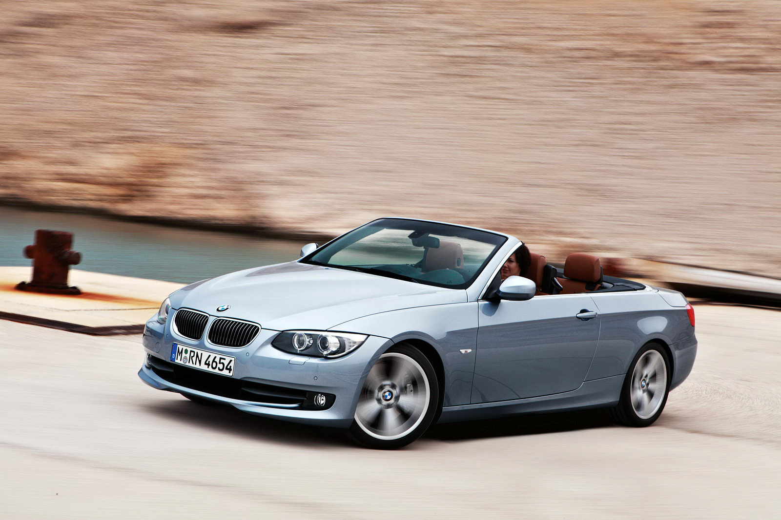 2011 BMW 3 Series Coupe photo - 2