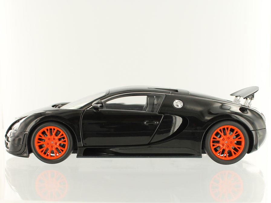 2011 Bugatti Veyron Super Sport photo - 2