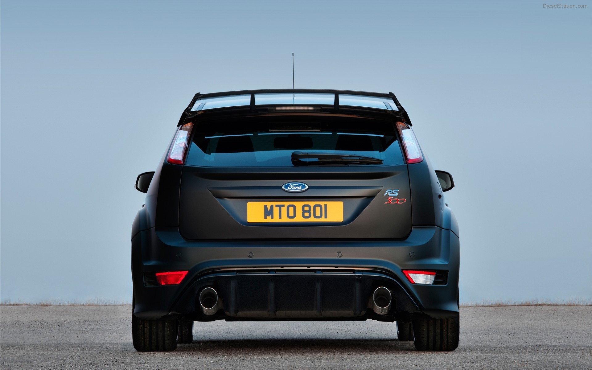 2011 Ford Focus RS500 photo - 1