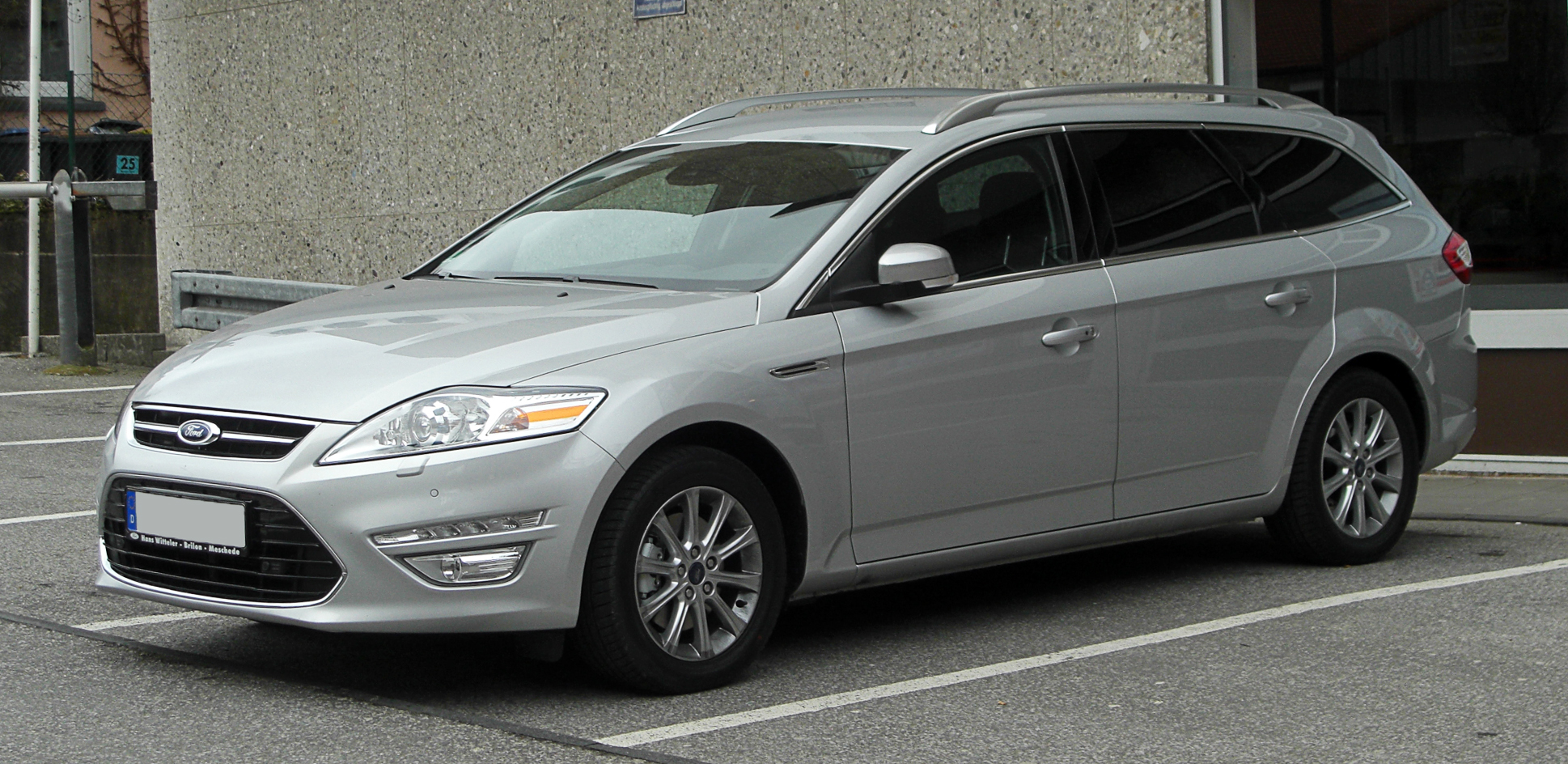 2011 Ford Mondeo photo - 1