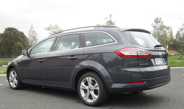 2011 Ford Mondeo Wagon photo - 1