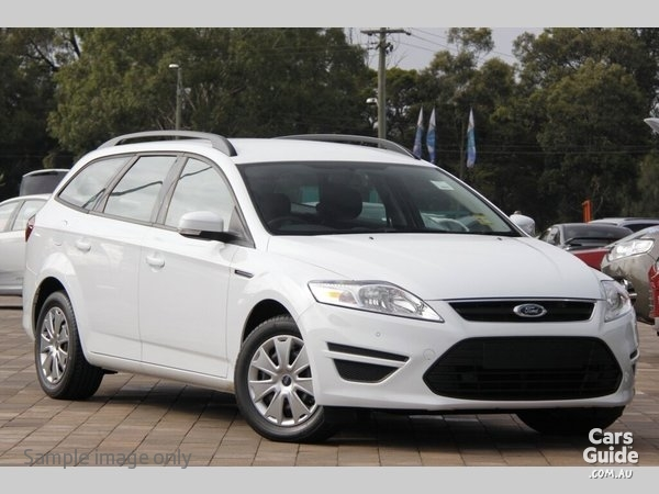 2011 Ford Mondeo Wagon photo - 2