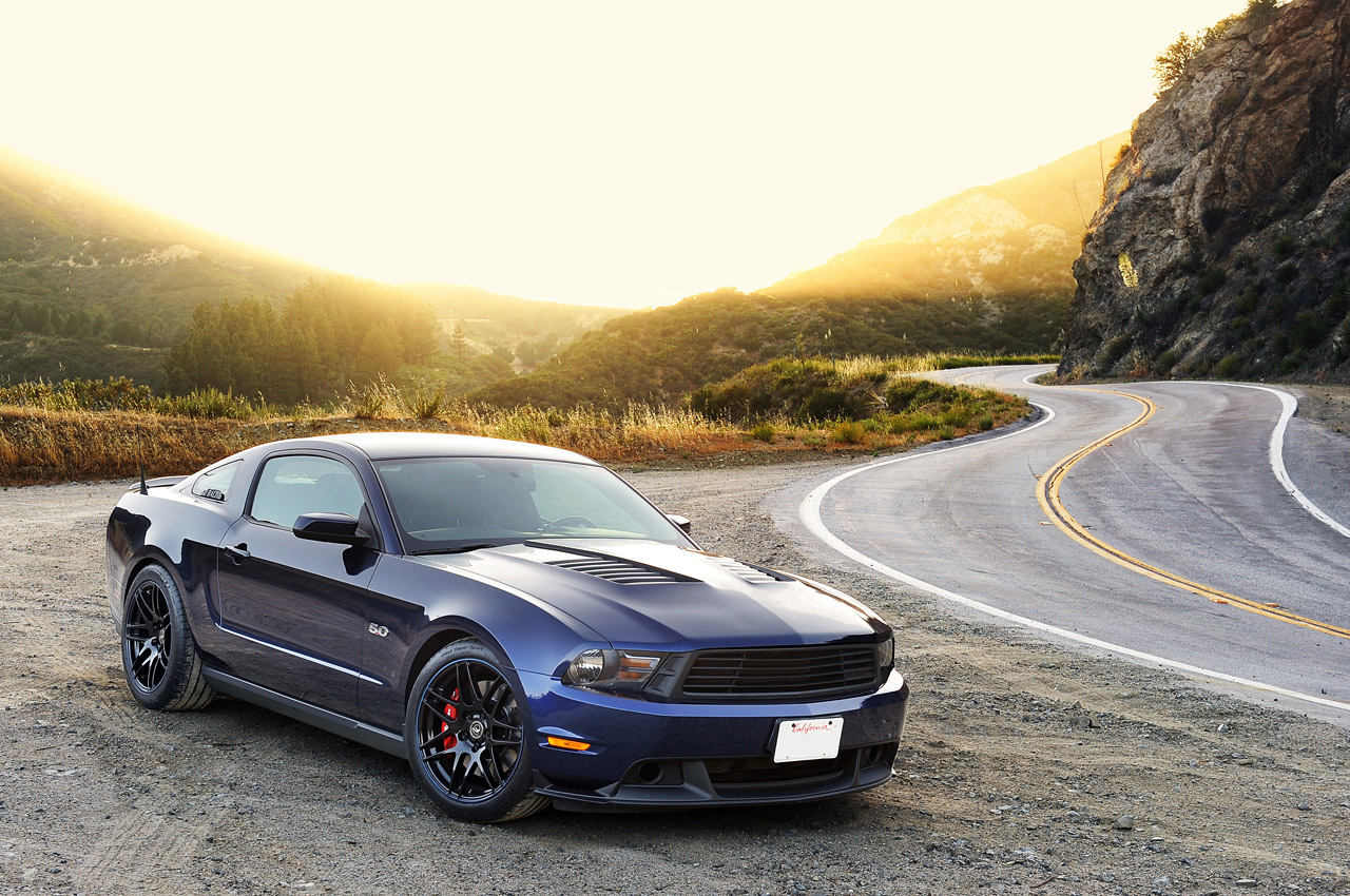 2011 Ford Mustang GT photo - 2