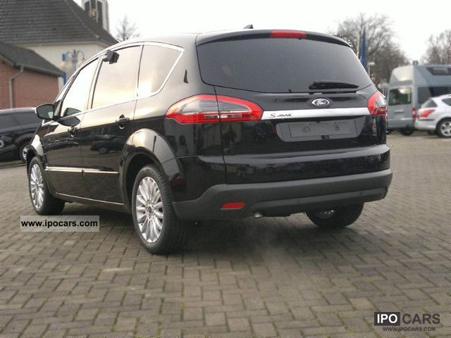 2011 Ford S MAX photo - 1