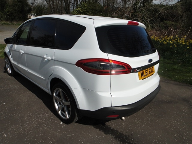 2011 Ford S MAX photo - 2