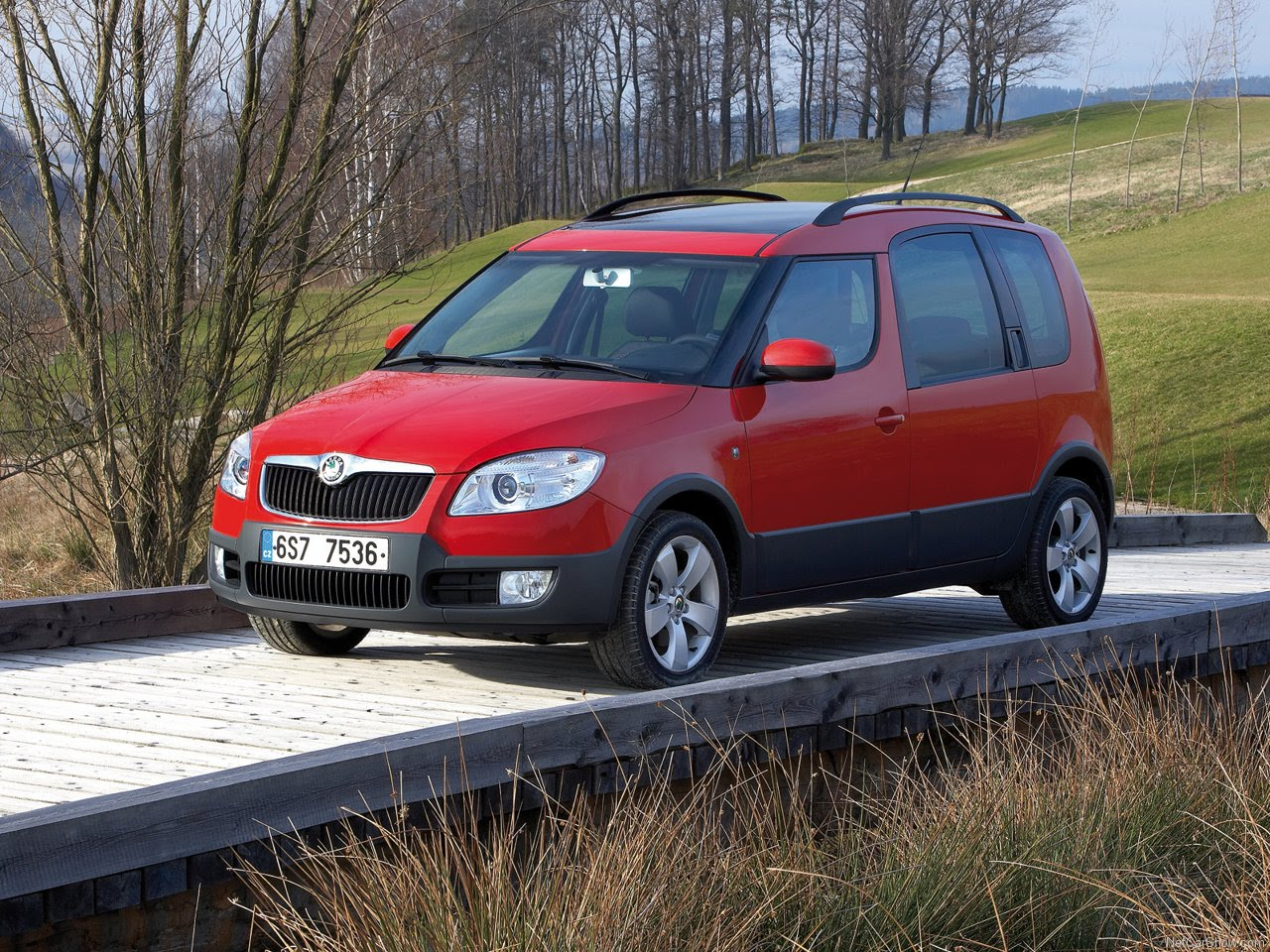 2011 Skoda Roomster Scout photo - 2