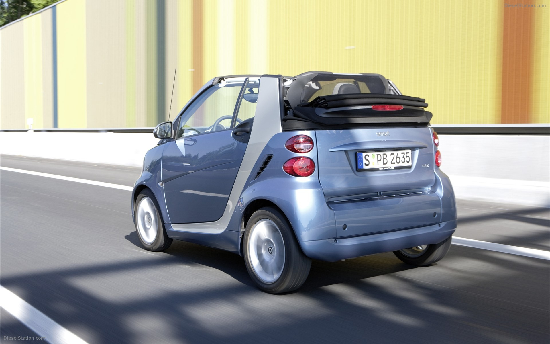 2011 Smart fortwo photo - 1