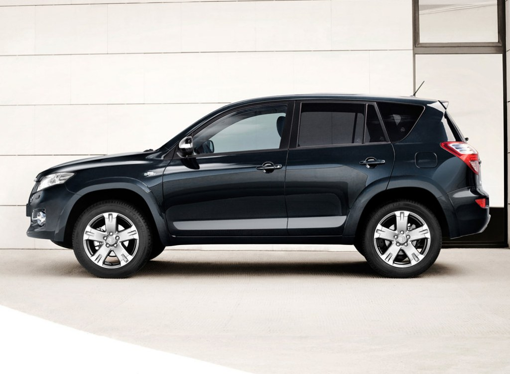 2011 Toyota RAV4 photo - 3