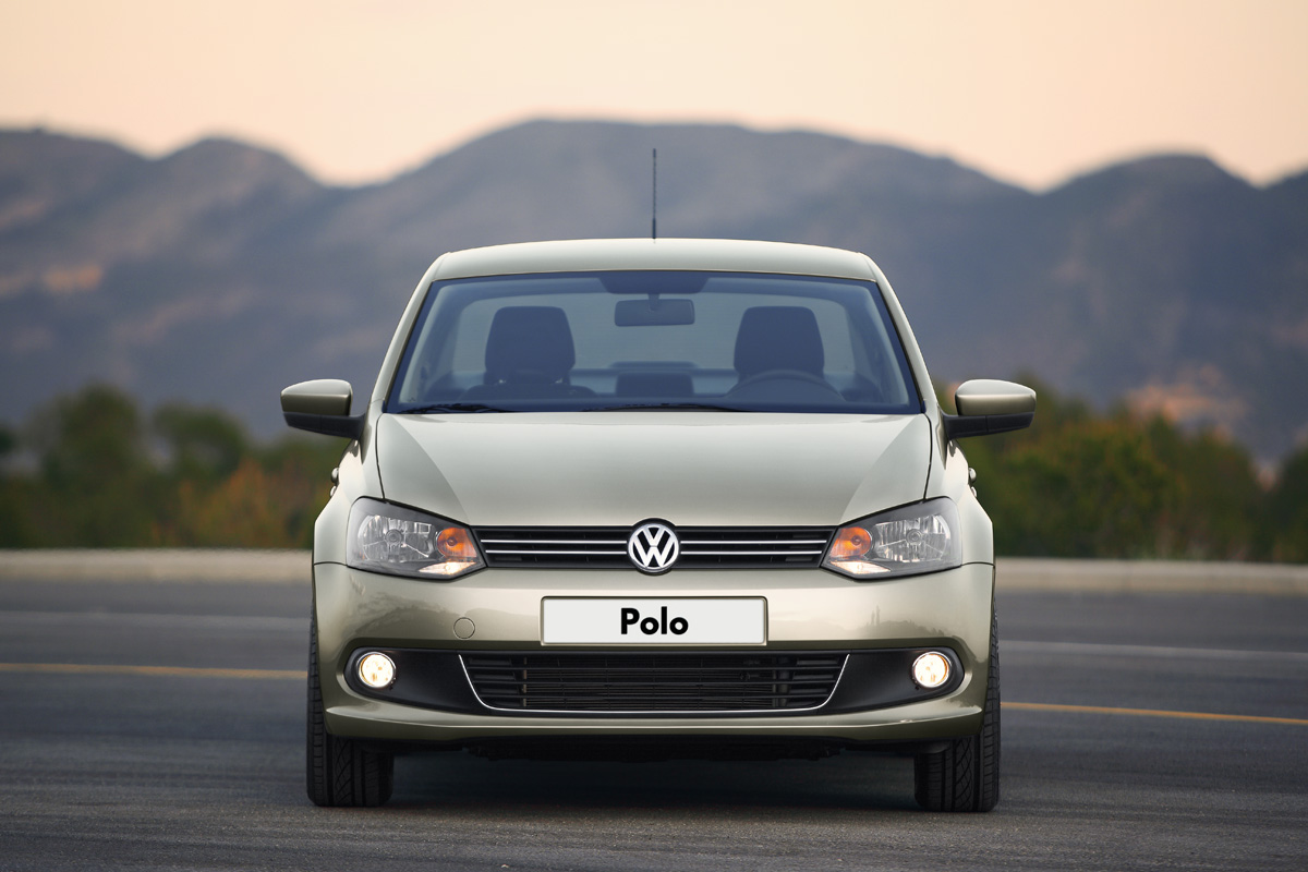 2011 Volkswagen Polo Saloon photo - 2