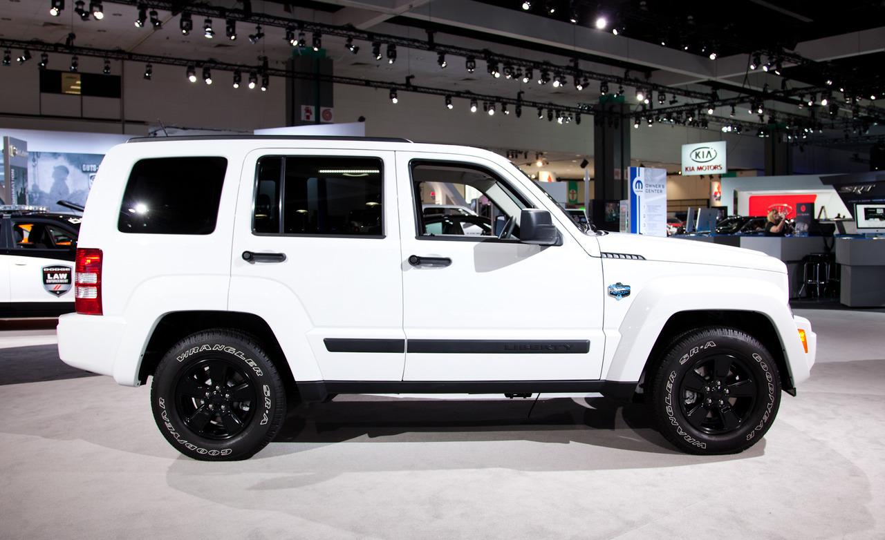 2012 Jeep Liberty Arctic photo - 2