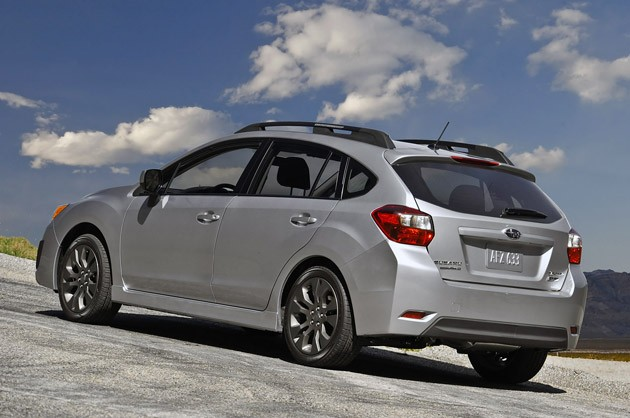 2012 Subaru Impreza 5 door photo - 2