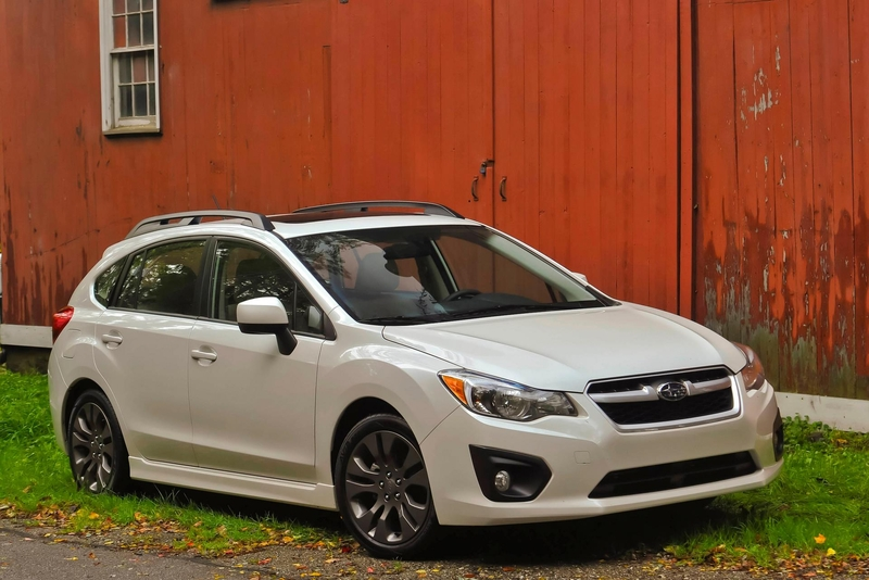 2012 Subaru Impreza 5 door photo - 3