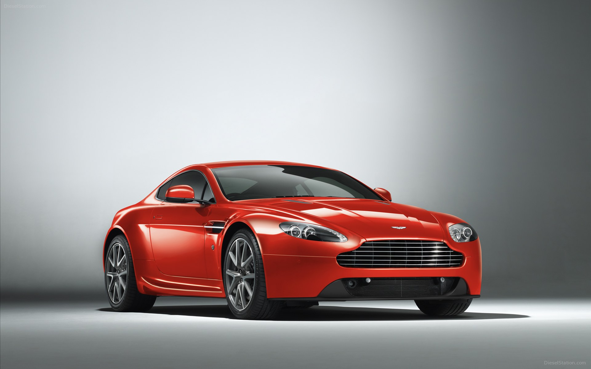 2013 Aston Martin V12 Zagato photo - 1