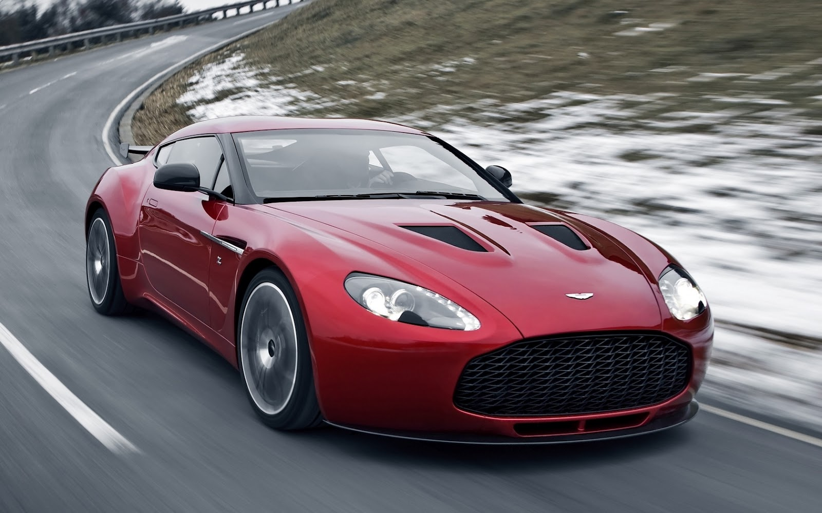2013 Aston Martin V12 Zagato photo - 3
