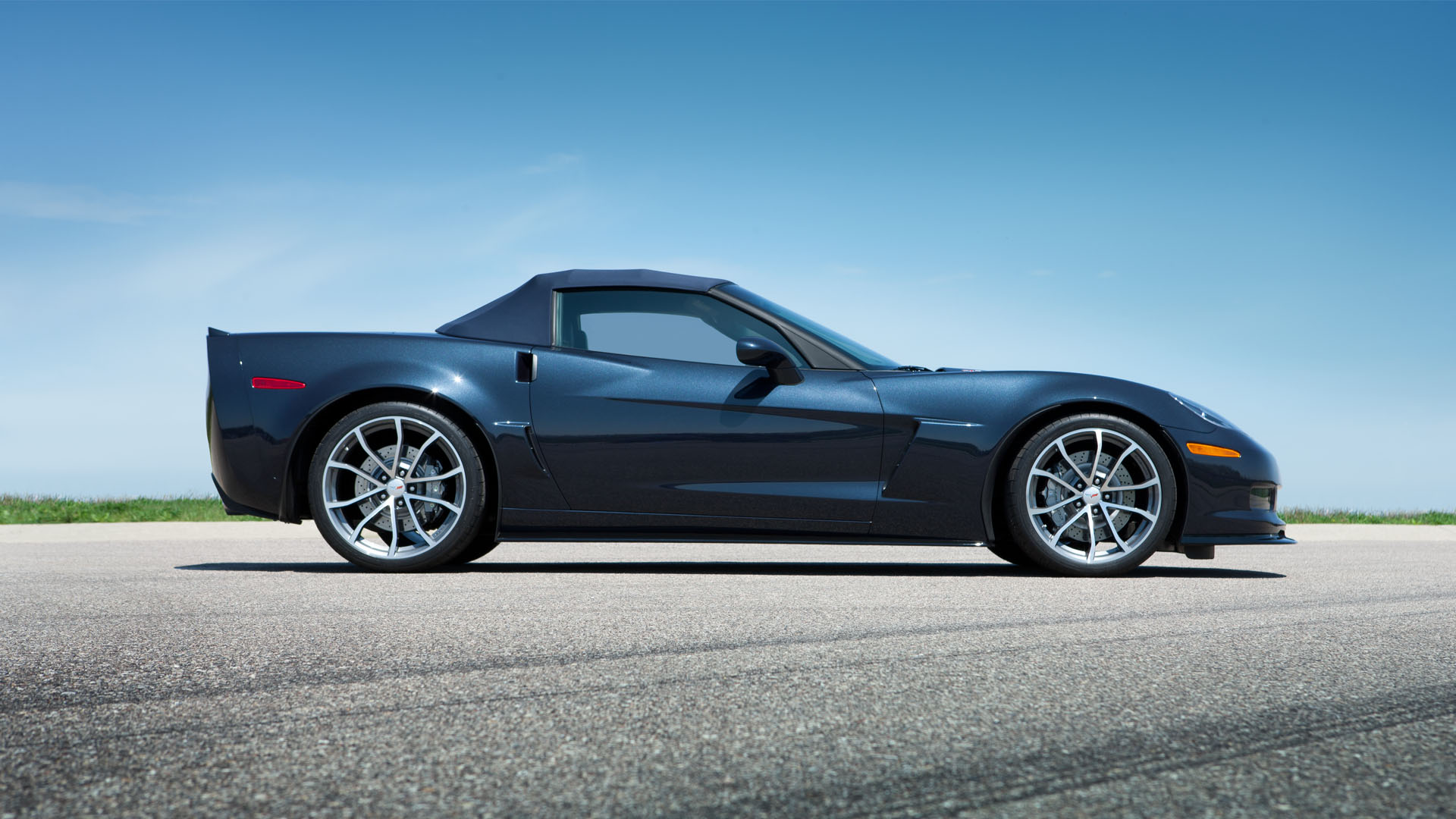 2013 chevrolet corvette 427 convertible car photos. Black Bedroom Furniture Sets. Home Design Ideas
