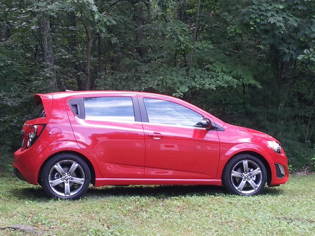2013 Chevrolet Sonic RS photo - 2